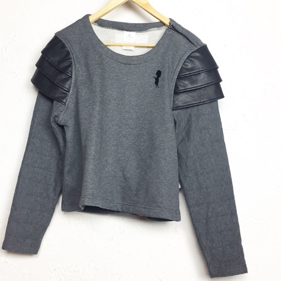 new style 0a025 bf64f Disney | Edna Mode Semi Cropped Fleece Pullover M NWT